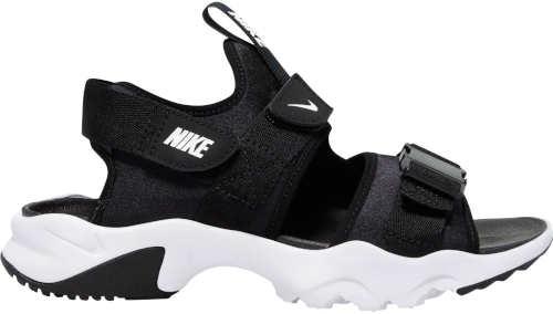 Čiernobiele športové dámske sandále Nike vhodné aj do terénu
