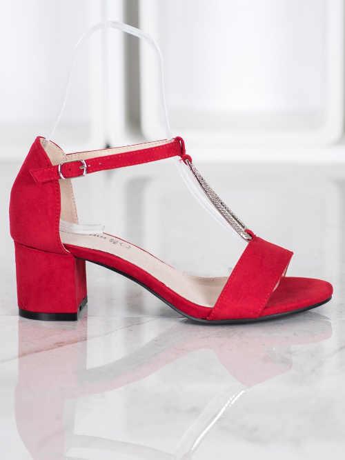 Červené sandále so striebornou ozdobou