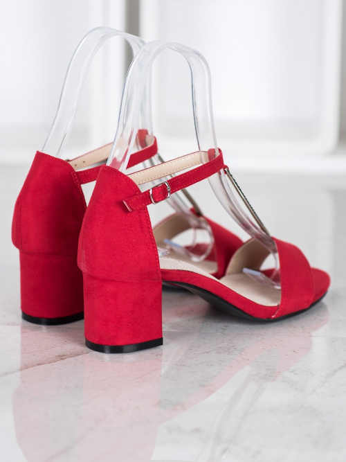 Moderné sandále na podpätku
