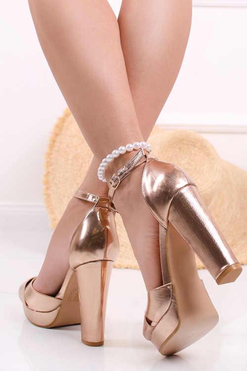 Ružovo-zlaté remienkové sandále