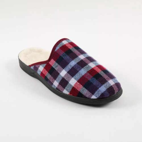 Pánska domáca obuv v modernom károvanom vzore