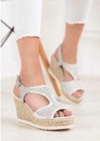 Dámske moderné sandále na vyššom klinu