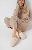 Dámske zateplené papuče z ekokože