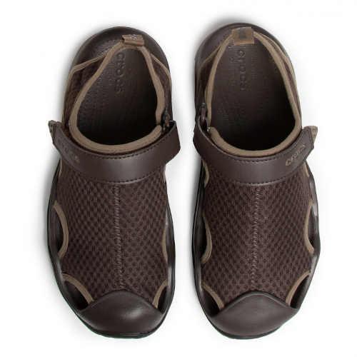Hnedé pánske sandále s plným podpätkom