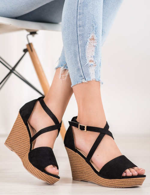 Lacné elegantné sandále na vysokom klinu