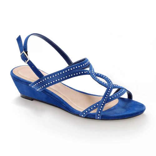Moderné a pohodlné letné sandále s flitrami
