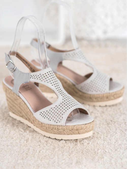 Moderné letné sandále na klinoch