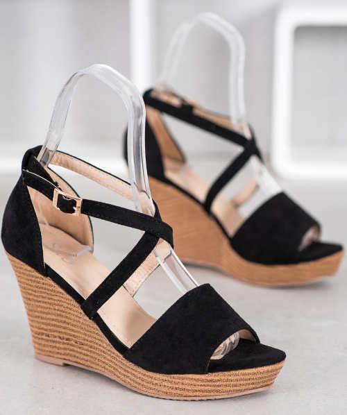Moderné letné spoločenské sandále