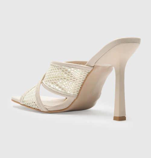 Moderné papuče na úzkom podpätku