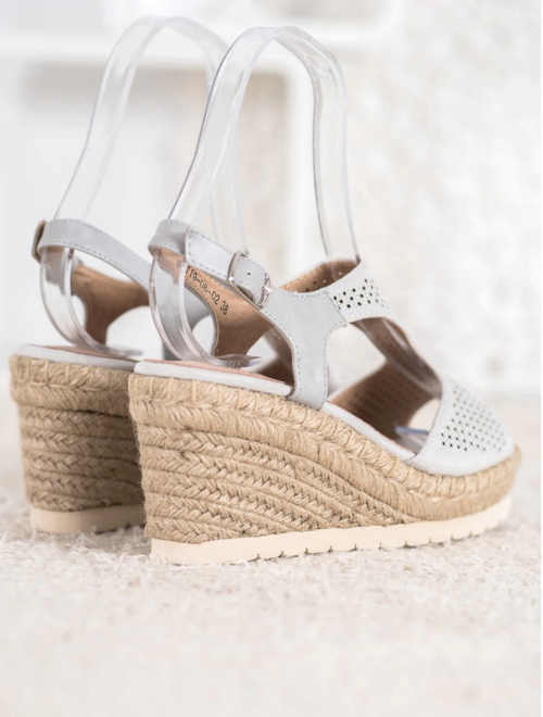 Sandále v elegantnom dizajne